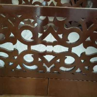 سرير بيبي مع صندوق بخشب زان ب ٥٥٠ شيكل فقط